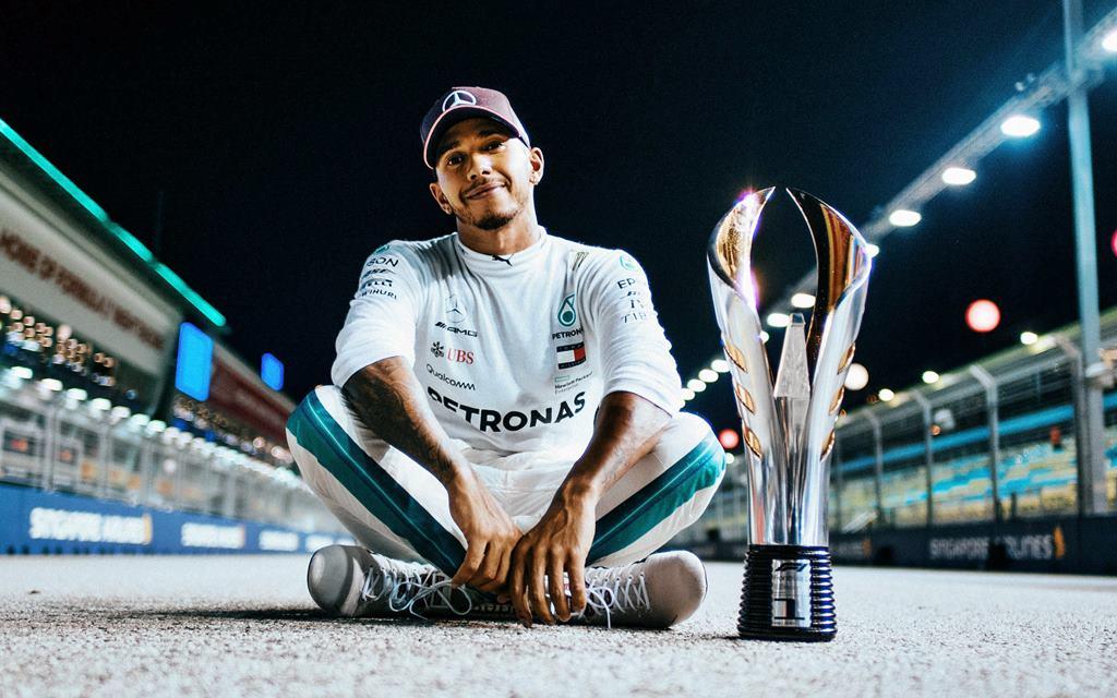 Hamilton ganó el GP de Singapur y sueña con ser Quíntuple