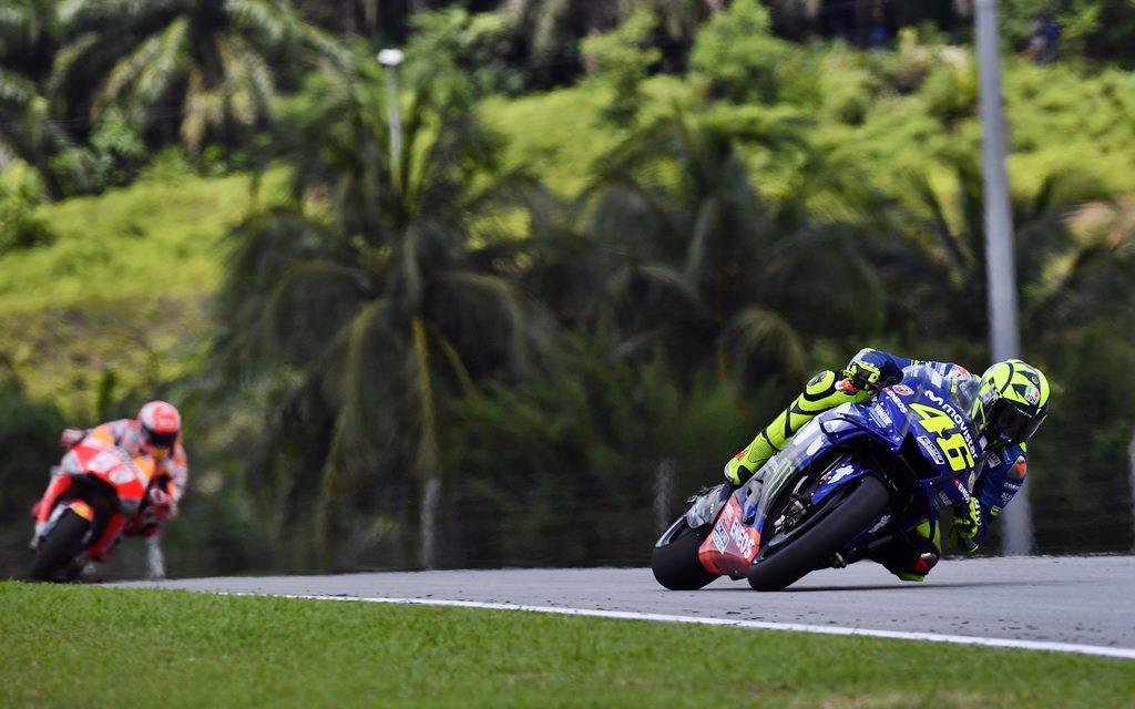 MotoGP: Triunfo de Márquez y Rossi por el suelo