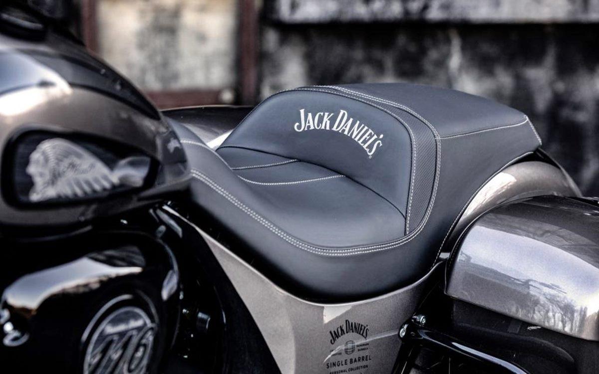 Indian Springfield Dark Horse Jack Daniels: Bella por donde se la mire
