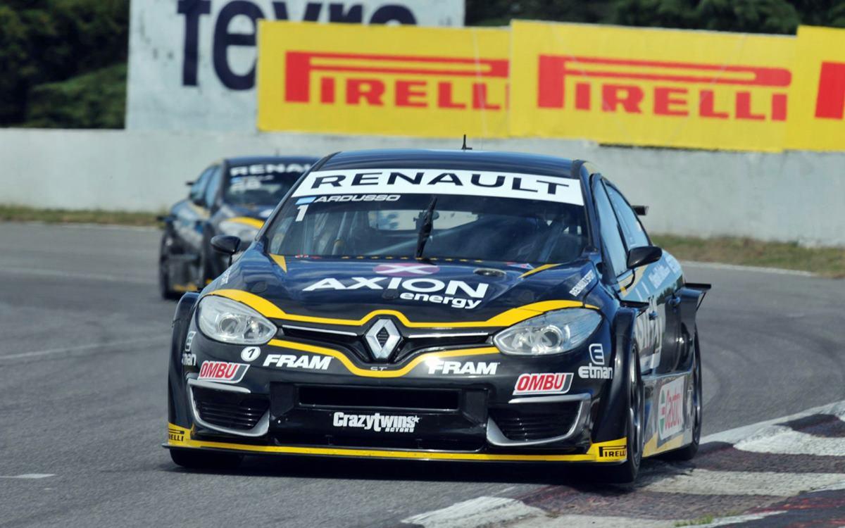 Leonel Pernía ganó la primera carrera del Súper TC2000 con motores turbo