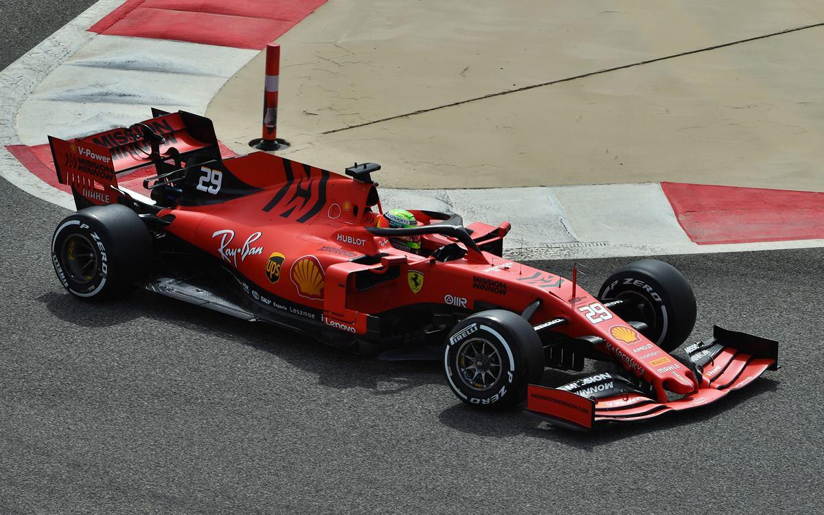 Mick Schumacher, al volante de una Ferrari de F.1