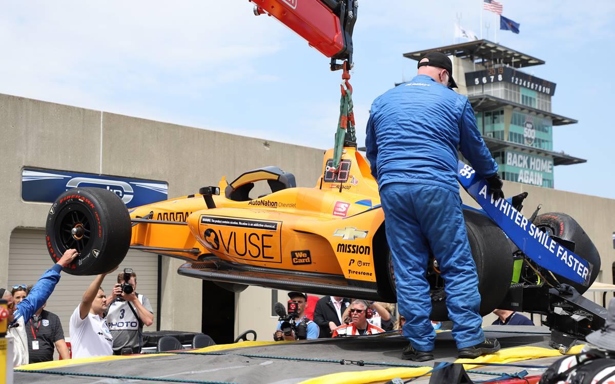 Fernando Alonso se accidentó en Indianápolis
