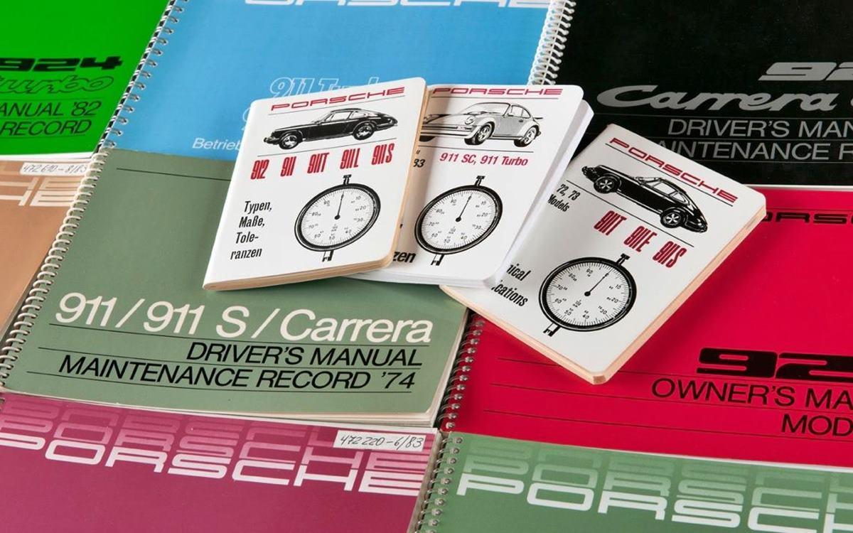 Porsche reimprime los manuales de sus modelos clásicos