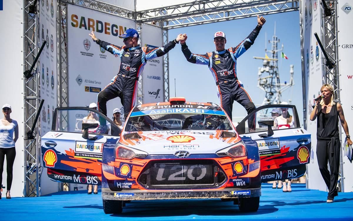 Ott Tänak líder del WRC tras terminar quinto en el Rally de Cerdeña
