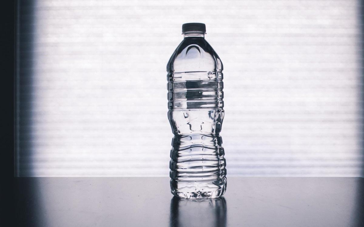 Ford convierte botellas de plástico en alfombras