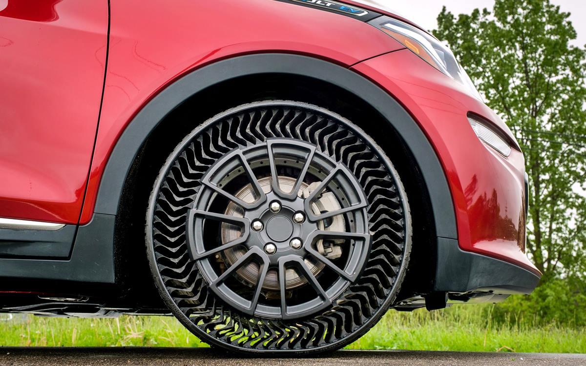 Michelin y GM presentaron un neumático sin aire