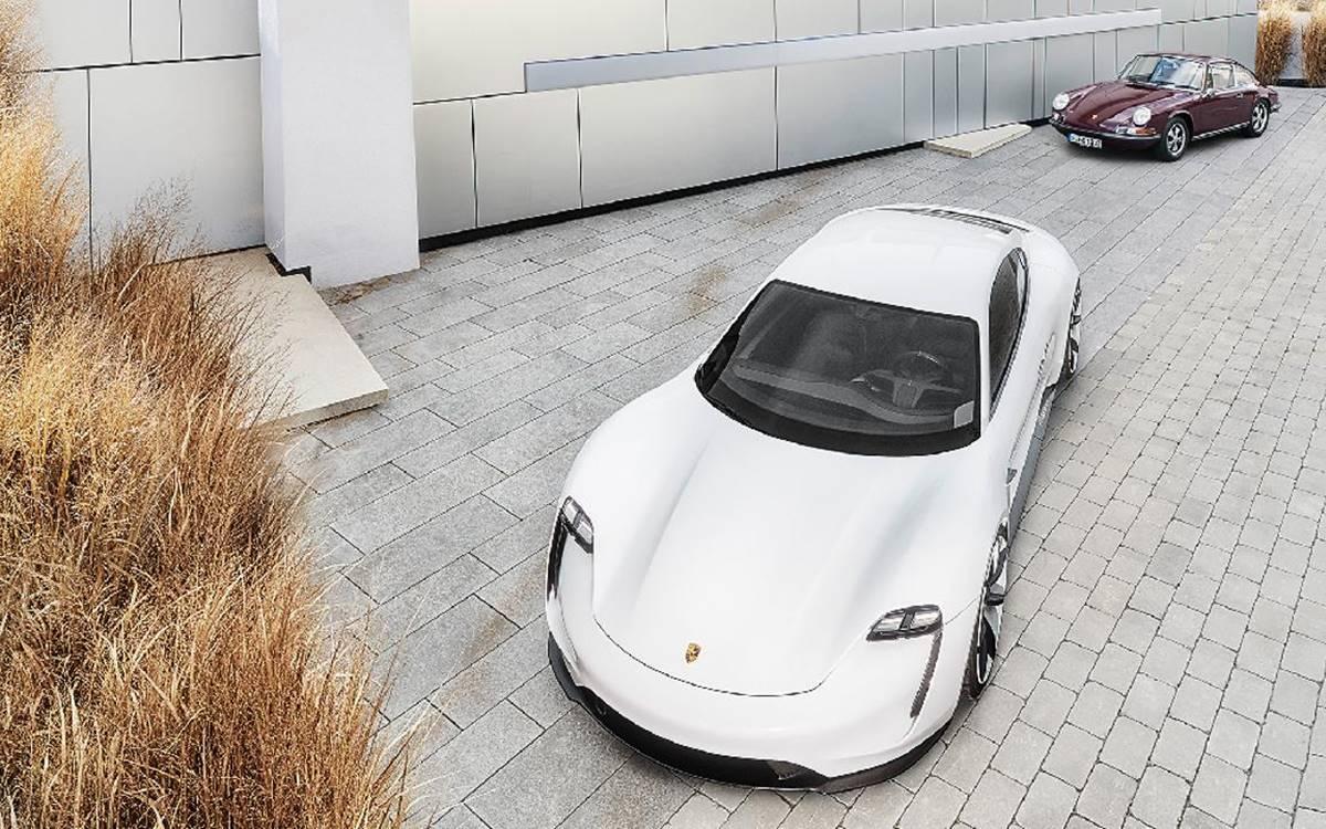 10 cosas que tienen en común los Porsche 911 y Taycan