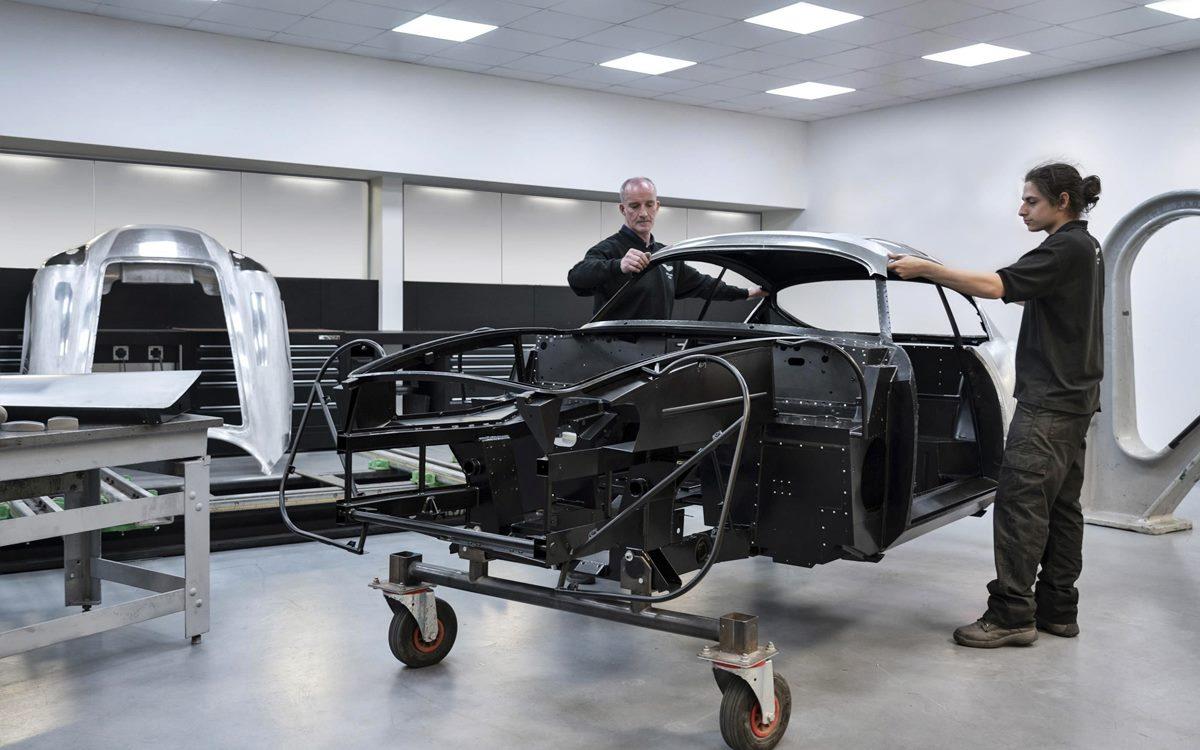 El Aston Martin DB4 GT Zagato Continuation entró a producción