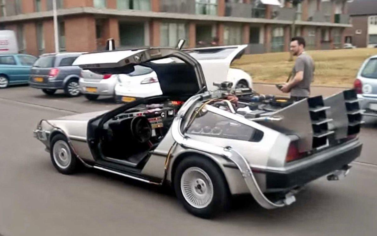 La mejor réplica del DeLorean de Volver al Futuro