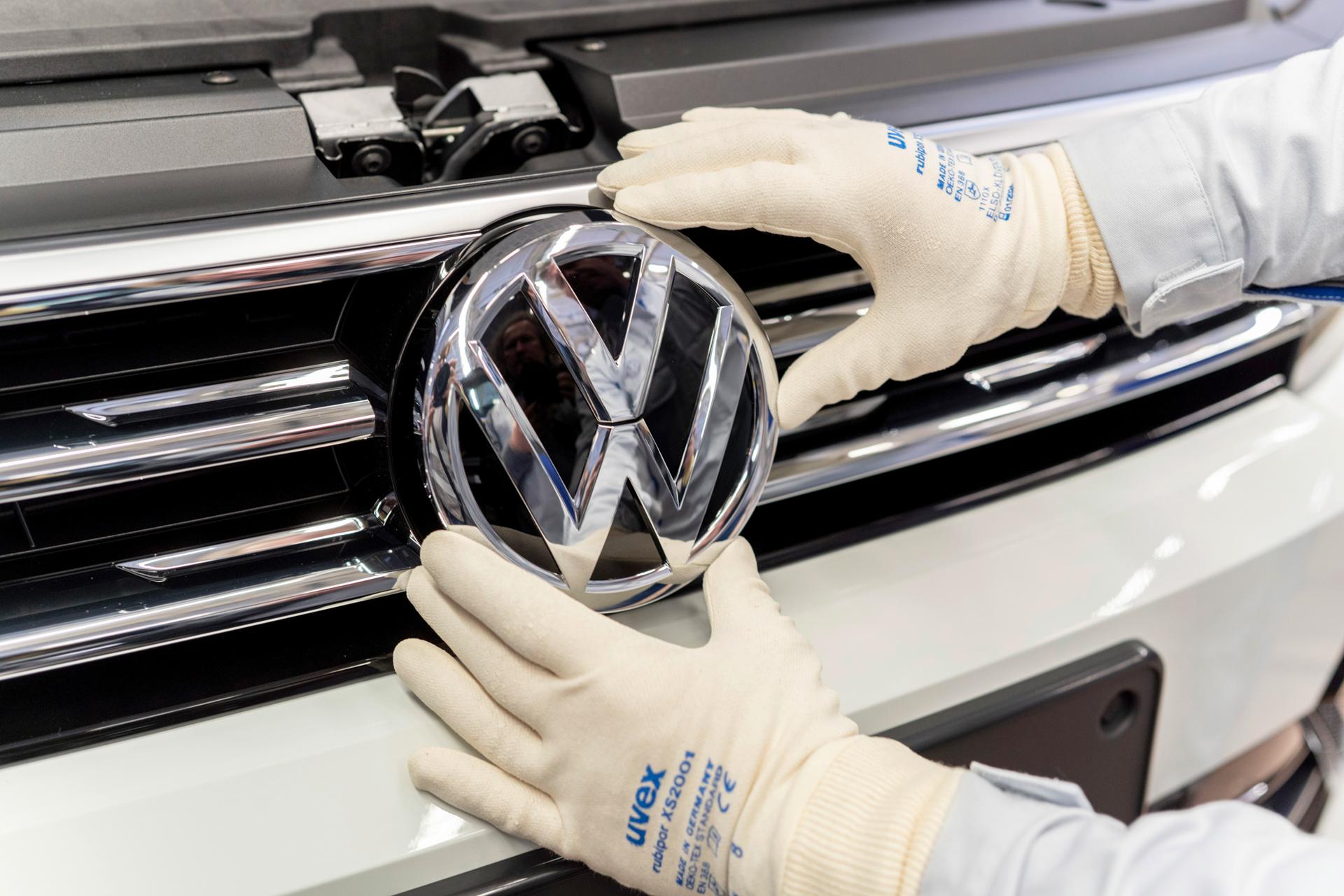 Volkswagen cambia su logo