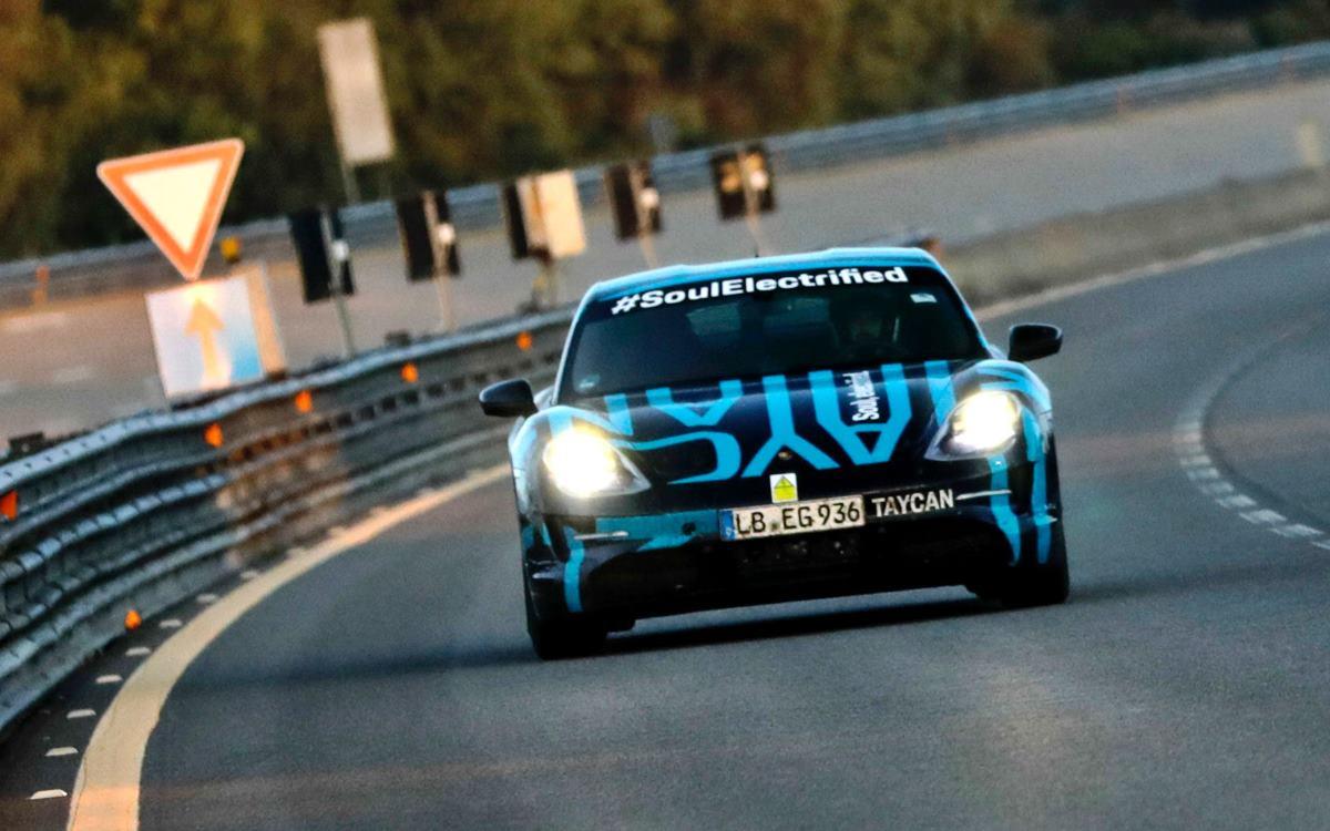 El Porsche Taycan demuestra su potencial